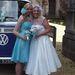 A koszorúslány és a menyasszony – Abi Richardson, akinek a májátültetés megmentette az életét, és Claire Holmes, a donor húga