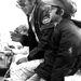 Steve McQueen 1971-ben, épp a fiával, Chaddel beszélgetett Franciaországban