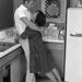 Steve McQueen otthonában ölelgeti feleségét