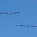 A két felirat, amit Malibu felett húzott el egy-egy repülő