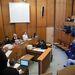 A tárgyalást olyan felfokozott médiaérdeklődés övezte, mint a per nyitányáét: több magyar és szlovák tévéstáb, fotósok és újságírók lesik a vád, védelem és vádlott mondatait, a zsúfoltság miatt érezhetően feszült mindenki.