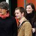 Orlando Bloom és Liv Tyler 2003-ban (köztük a Frodót alakító Elijah Wood)