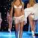2001.11.13 - Victoria's Secret Fashion Show