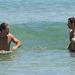 Hugh Jackman és edzéstársa az óceánban