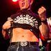 Billy Idol koncerten, 57 évesen még mindig villantott hasat