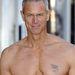 Mark Foster kimagaslik a modellek közül