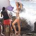 Gisele Bündchen Malibuban, egy bikinis fotózáson