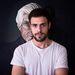 A 21 éves David Cata nagy művész, szeretteit varrta fel a tenyerére.