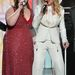 Mary Lamberttel énekel