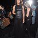A színésznő Donna Karan showjára ment el, szoknyája vaku hatására átlátszóvá változott