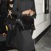 Naomi Campbell egy baráti vacsoráról távozik éppen, a menő, londoni Roka étteremből