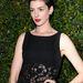 Anne Hathaway meg csipkés hasat villantott