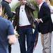 Johnny Depp az eljegyzési partiján cigizget