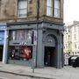 A skóciai Edinburgh lakói kibuktak a szexista szalonon.