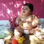 Anyja elismerte felelősségét, miszerint mindig etette a babát, amikor az felsírt.