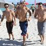 Austin Mahone és a haverok Miamiben a strandon