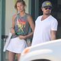 DiCaprio és modell barátnője, Toni Garrn lemezeket vásároltak Los Angelesben, a Records Surplusben