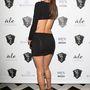 A Victoria's Secret bugyimodellje nagyon rövid ruhát vett fel