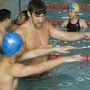 2007: kínai speciális atlétákat oktatott jótékonyságból.
