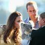 Vajon mit nézhet éppen a hercegi pár a koalán?