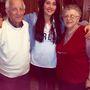 Sian Morgan a nagyapjával és nagyapja feleségével