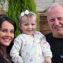 Sian Morgan a lányával és az édesapjával. Ő kereste meg a nagyapját, Vincenzo Mirarchit.