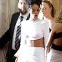 Rihanna (és mindkét mellbimbója) is örült valaminek, amit Cara Delevingne mutatott neki