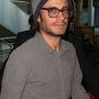 Gael Garcia Bernal színész sapkával álcázta magát, sikertelenül
