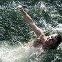 A brit Blake Aldridge a vízben