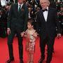 A család, vagyis Francois-Henri Pinault és Valentina Paloma, valamint Mika.
