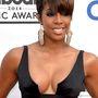 Kelly Rowland énekesnő éppen cska cenzúrázta a melleit
