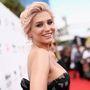 Kesha is szépen domborított