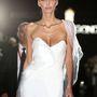 Ennek a modellnek, aki a De Grisogono partiján kifutóra ment, nagyon furcsán állt a ruhája.
