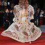 Befutott Cannes őrült asszonya, Larisa Katz is, aki minden évben ilyen izgalmas szettekben mutatkozik.