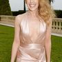 de még Kylie Minogue is túlzásba vitte a kivágást.
