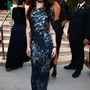 Conchita Wurst nehezen vegyült a tömeggel. Akik főleg amerikai sztárszínészek-modellek, és ezért valószínűleg fogalmuk sincs, ki ő, pedig megnyerte az Eurovíziós Dalfesztivált.