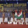 Taroltak a magyar lányok, kerek fenekek, formás dekoltázsok