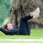 Margot Robbie május 22-én, egy parkban edzett így.