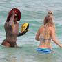 Wozniackin semmi érdekes nincs, egy csinos, vékony, sportos nő, kék bikiniben.
