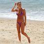 Steven Gerrard brit focista neje meg lila bikiniben mutatta meg a testét