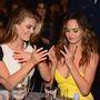 Nézze meg azokat a szép kezeket!