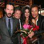 Matthew McConaughey és Keanu Reeves is pózoltak egy közösen Bullockékkal.