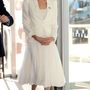Angelina Jolie talpig fehérben