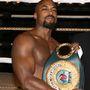 Terence Archie – bokszolót játszik