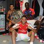 Alexis Sanchez az újabb vetkőző, mellette Alex Oxlade-Chamberlain és Yaya Sanogo