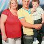 Vőlegényével, Dommal és gyermekükkel