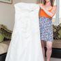 Vicky Jennings esküvői ruhátját mutatja