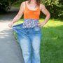 Vicky Jennings a régi nadrágjában
