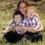 Óriási gyerekeket szült? Mutassa meg őket felszabadultan, mint Alison Cooper!