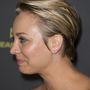 Kaley Cuoco az Entertainment Weekly szombati partiján gyászolta a fodrászát.